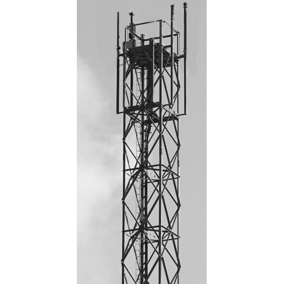 Self-supported square lattice tower